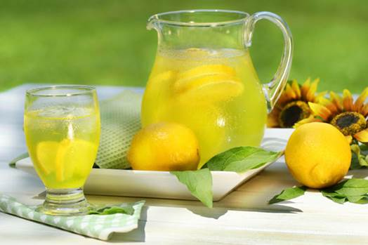 Lemon juice contains vitamin C that can intensify immune system, prevent cold and flu.