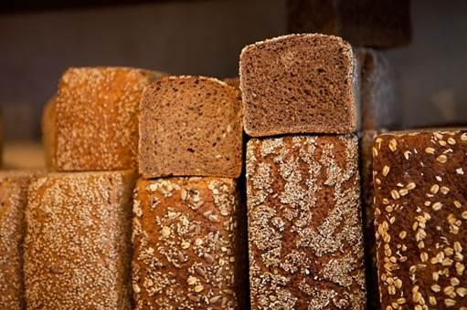 Whole-grain bread and whole grains are rich in folic acid, iron, fibers, vitamins and minerals.