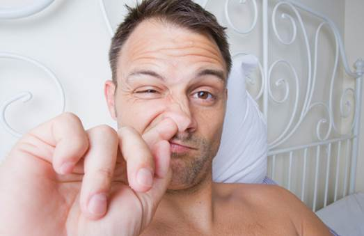 Nose picking can injure nasal mucosa and harm the health.