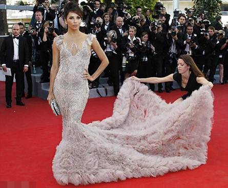 "Description: Eva Longoria caused 'fever' with the gorgeous pastel ""mermaid dress"" from Marchesa"