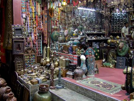 Description: this place to buy souvenirs and silver jewellery or to simply experience the eclectic energy