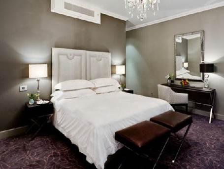 Description: Queen-Victoria-Hotel-Guest-Room
