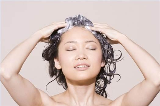 Description: Oiling and massaging will cure dandruff.