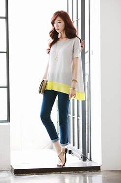 Description: Rolled classic jeans mix baggy shirt – a cool style in summer days.
