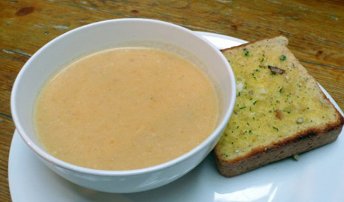 Description: Grinded batata soup with cauliflower is a food good for baby's digestive system.
