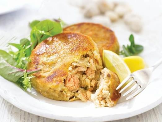 The ivy 39 s salmon fishcakes for Salmon fish cake recipe