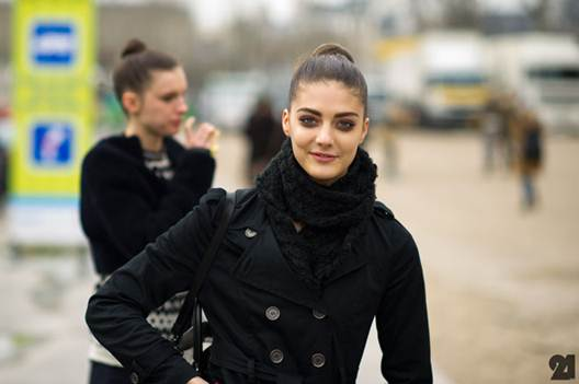 Description: Katryn Kruger in Paris