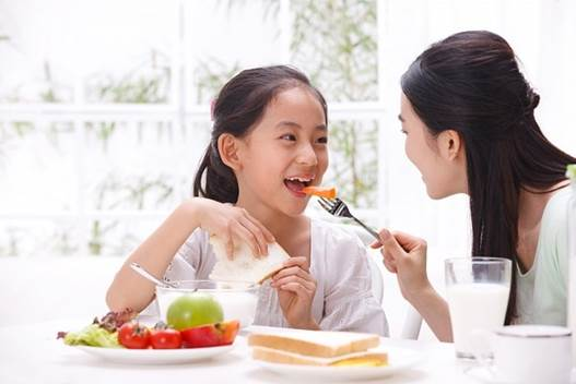 Mothers should let children eat a lot of fruits because they are very good for children's health.