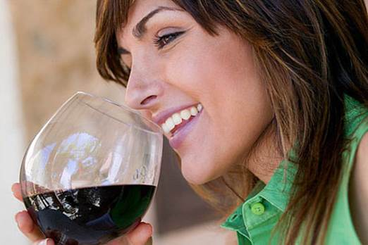 Drinking wine less can prevent gullet cancer.