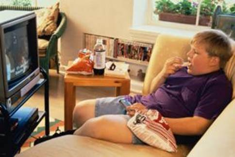 Eating in front of TV will make children neglect the full feeling, so they will eat more.