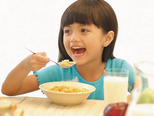 Having breakfast regularly will help children become more intelligent.