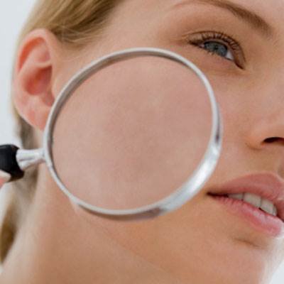 If you have symptoms of dry skin and itch unusually, you need to go to see doctor to cure disease.