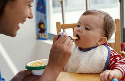 Mother's attitude to feeding baby is very important.