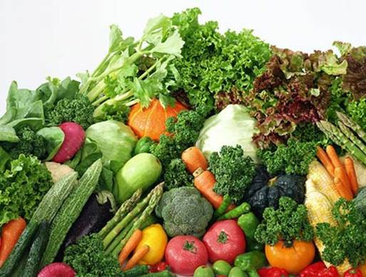 Vegetables provide quite an amount of folic acid to pregnant women.