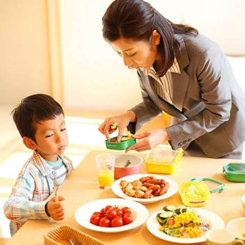 Let children eat foods that have cool nature.