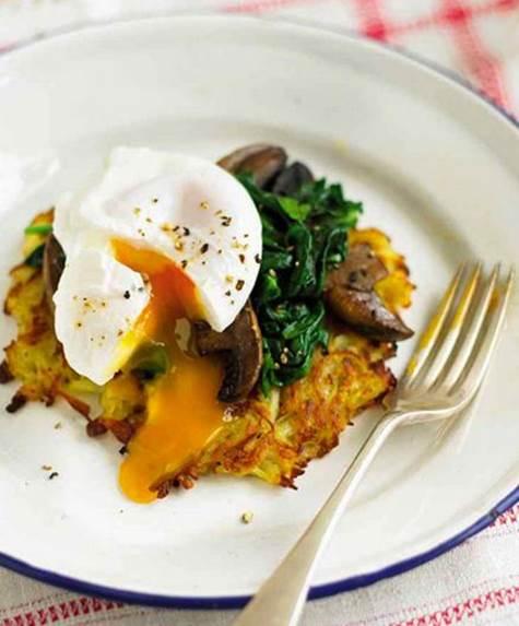 Potato and celeriac rösti with a poached egg