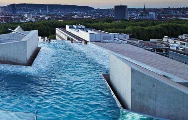 Description: The spa's mineral-rich water, Zurich
