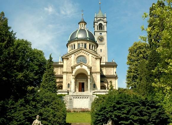 """Description: Kirche Enge, known as the """"Sacré-Coeur of Zurich"""