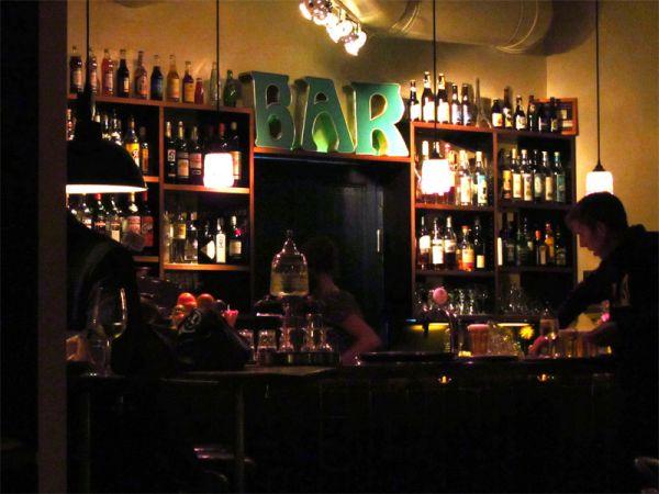 Description: Café des Amis