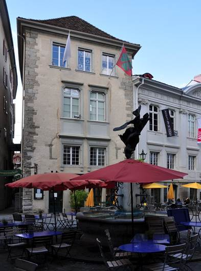 Description: The Nike Fountain on Newmarkt,