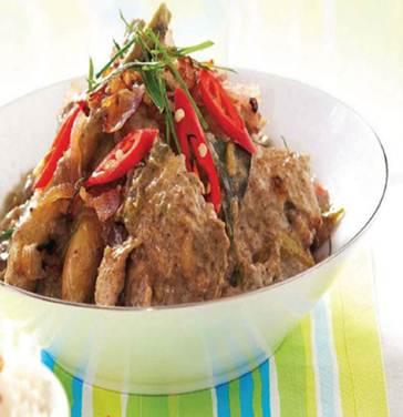 Description: Javanese-Style Chicken Curry