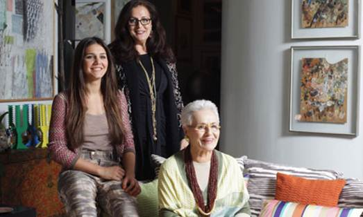 Description: Rosita (right) with her daughter Angela and granddaughter Margherita.
