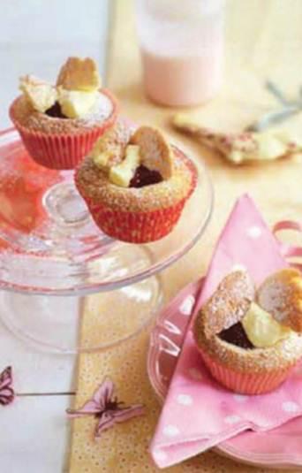 Description: Strawberry jam butterfly cakes