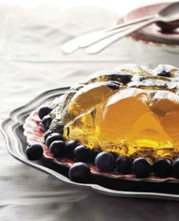 Description: Dessert wine and blueberry jelly