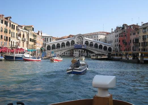 Description: the Rialto on the Grand Canal