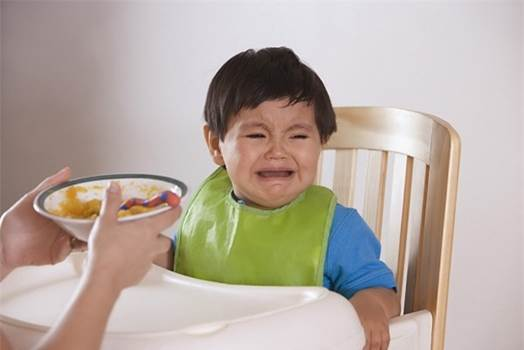 Crying in meal is also an expression of children's anorexia.