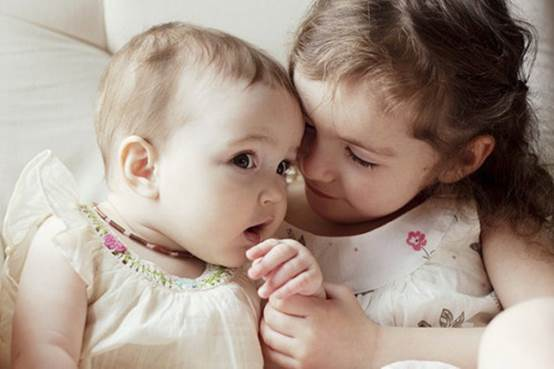 When babies are 4 years old, they will be dignified older sisters.