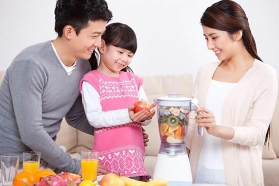Fruit juice is good for children's health.