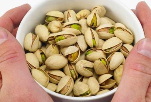 Smiling hazelnut is a wonderful source of vitamin E that is a dissolved antioxidant in fat.