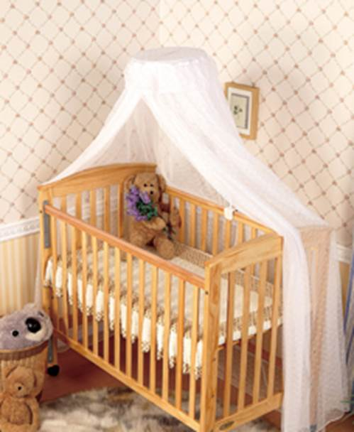 Parents can hang mosquito net to help babies avoid mosquito.