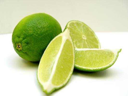 Lime brings many benefits to human and hair health.