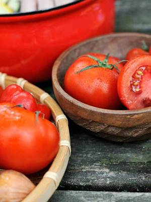 Description: Tomatoes are good for nourishing a healthy hair
