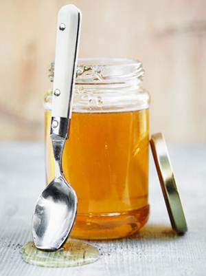 Description: Pure honey is good for your hair