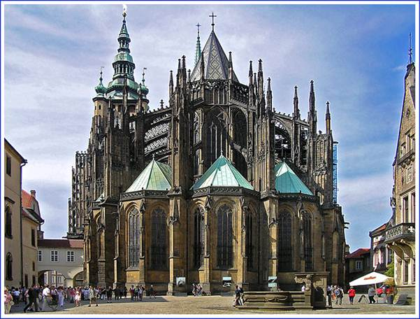Description: St Vitus Cathedral and majestic Prague Castle stand sentinel on a hilltop over the city - the biggest castle in the world