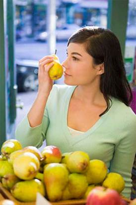 Description: Those who often suffer from cool abdomen and diabetes should not eat pear much.