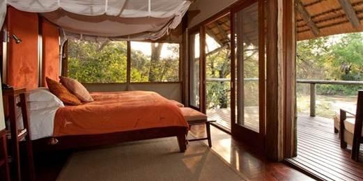 Description: the base camp 16-bed Rhino Post-Safari Lodge