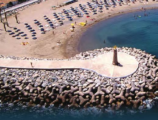 Description: Playa Puerto Banús