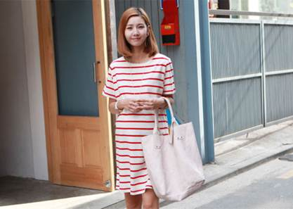 Description: Dress is always a fashion style chosen by many pregnant women, especially those who work at the office.