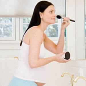Description: The change of hormone in pregnancy can make women's skin become worse.