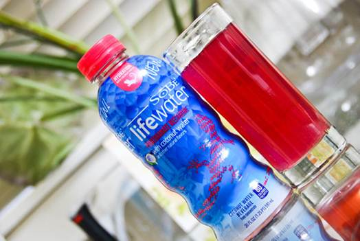 Description: Rehydrate naturally with this tangy après-sports juice
