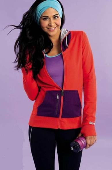 Description: Infuse sporty basics with an undercurrent of 80s inspiration