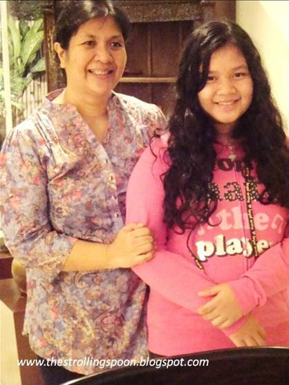 Description: Mrs. Dedet dela Fuente & her daughter