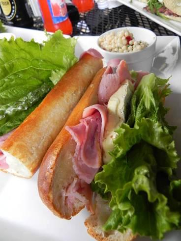 Description: Roast beef & pepper relish tartines