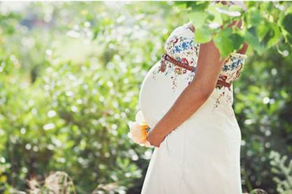 Description: In pregnancy, women should wear comfortable clothes.