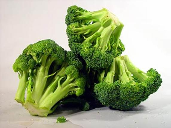 Broccoli contains a lot of protein that is good for vegetarian people.
