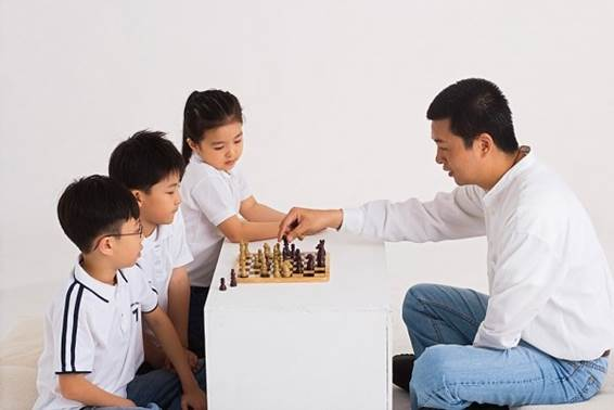 Children have the ability of concentrating with high level to some activity in a long time.